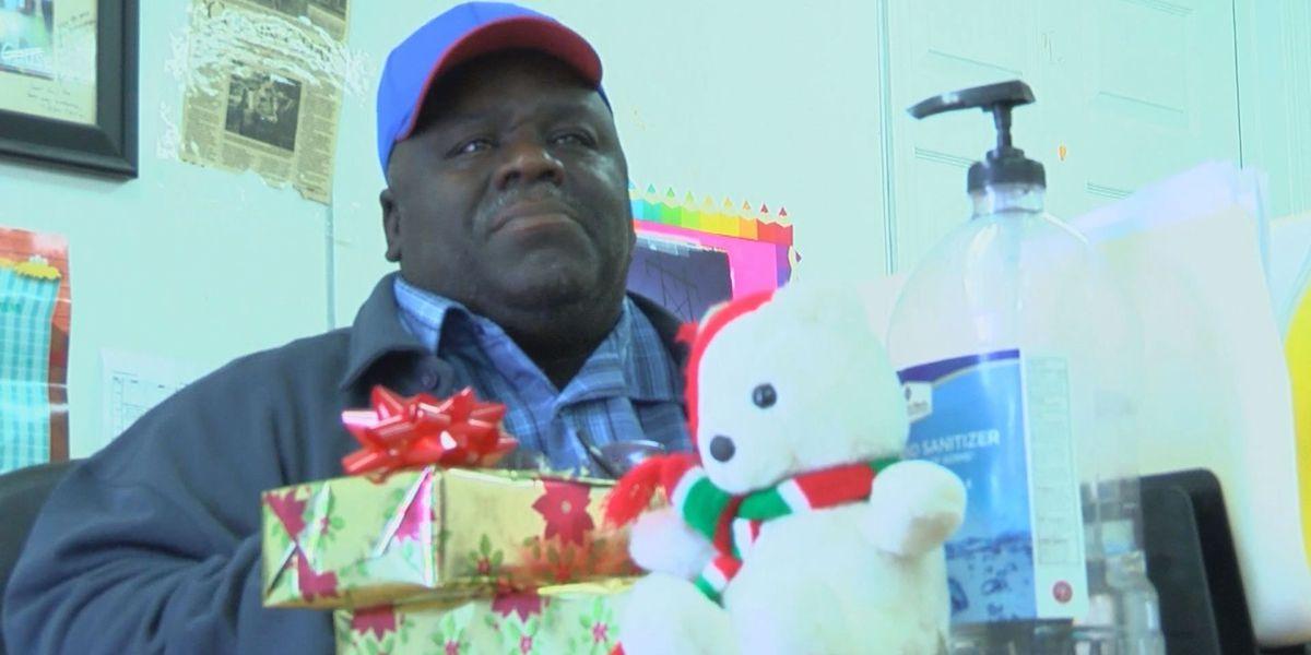 Local man using holiday spirit to reshape community