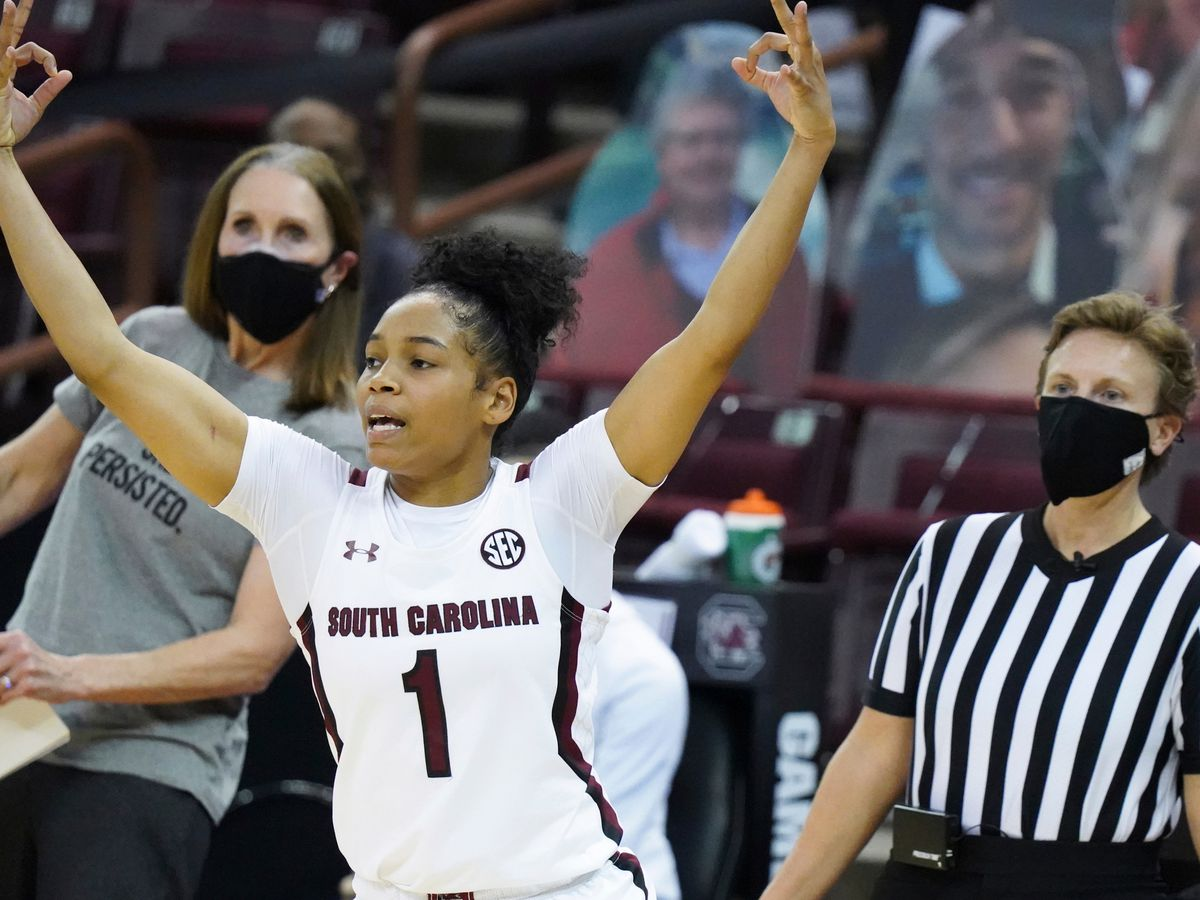 No. 2 South Carolina recovers to beat No. 17 Wildcats 76-55