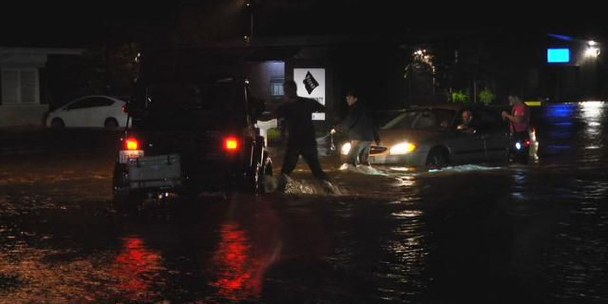 Citizens rescue stranded driver in Conway