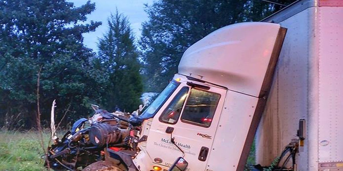 No injuries reported following crash involving 18-wheeler on U.S. 76 in Marion County