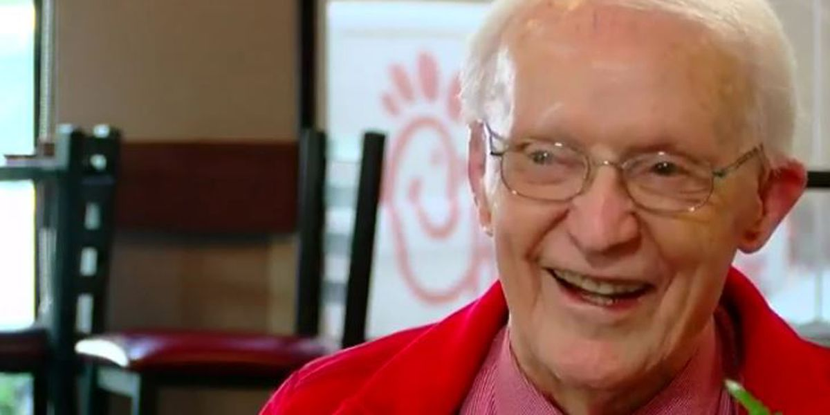 This is Carolina: 89-year-old veteran is Chick-Fil-A celebrity