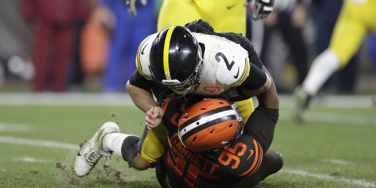 There's now a petition demanding the NFL to suspend Steelers QB Mason Rudolph for role in helmet incident