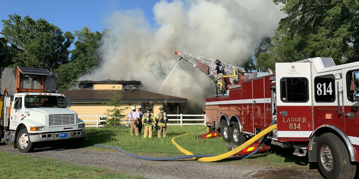 Firefighters battle two-alarm fire at Litchfield dentist office; several treated for heat-related injuries
