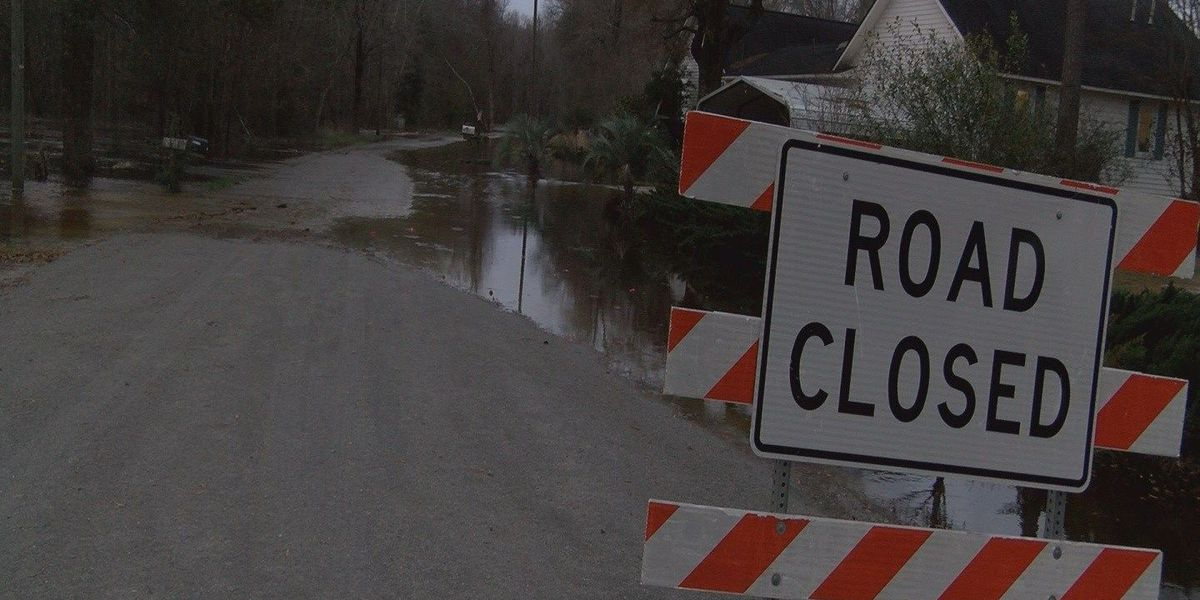 Horry County roads temporarily closed due to Lumber River flooding