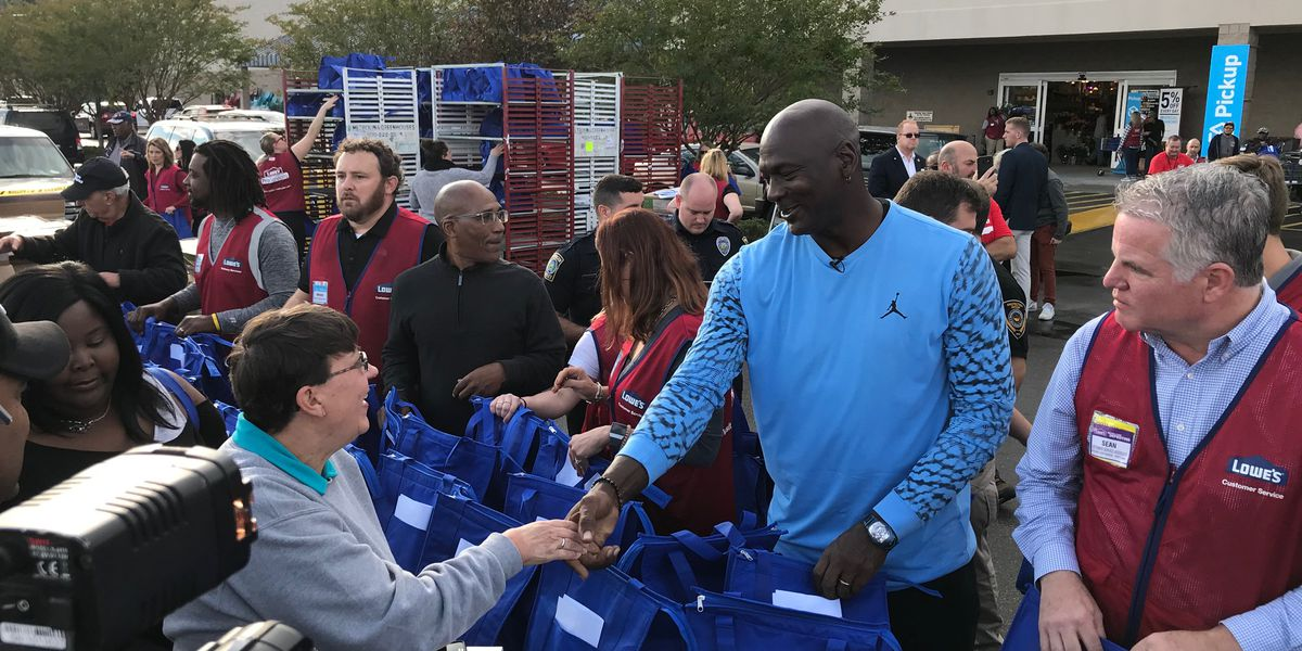 NEWS NOW: NBA legend Michael Jordan in Wilmington to deliver Thanksgiving meals