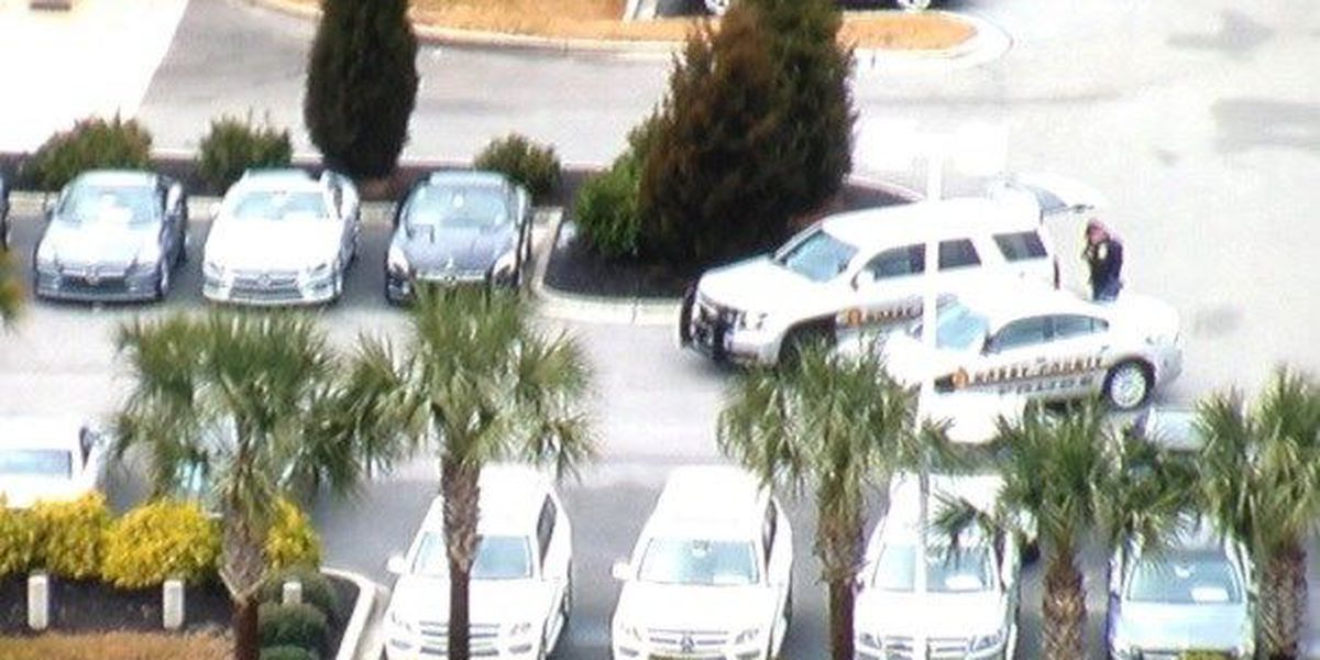 Police searching for Mercedes dealership auto thieves in Myrtle Beach