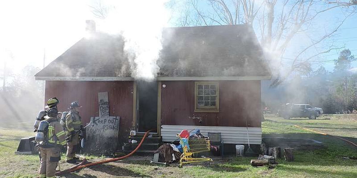 Crews respond to house fire north of Conway