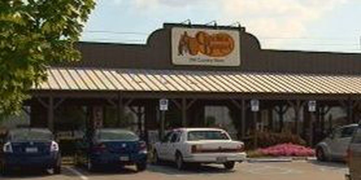Concord Cracker Barrel provides meals for officers responding to standoff at tire shop