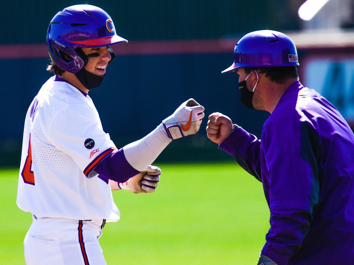 No. 25 Clemson completes sweep of Cincinnati with 8-7 extra inning walkoff win