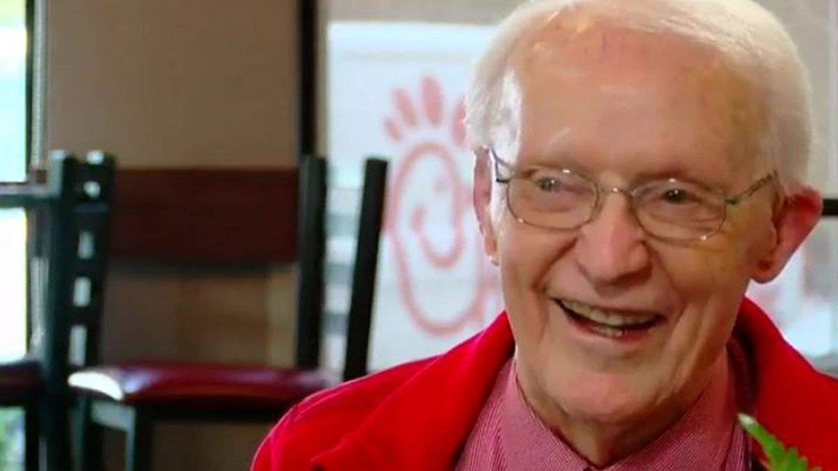 This is Carolina: 89 year old veteran is Chick-Fil-A celebrity