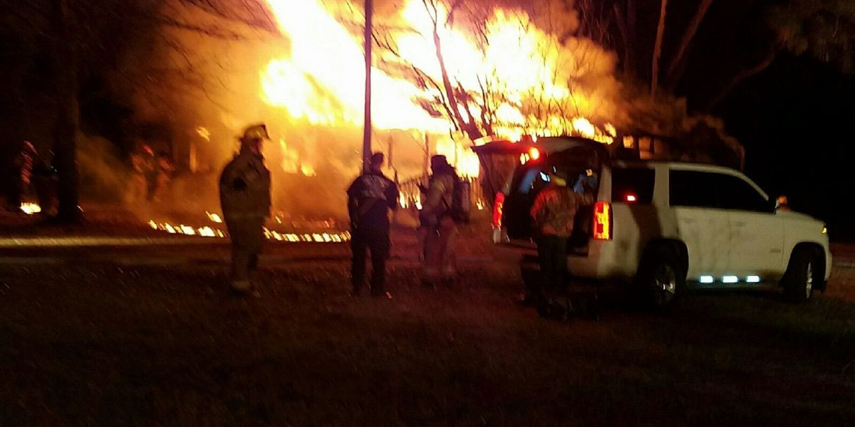 Howe Springs Fire Rescue puts out house fire in Effingham
