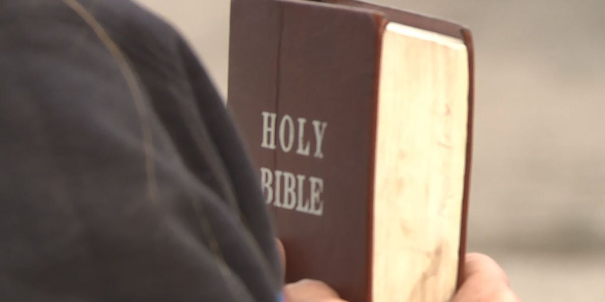 Lawmaker reintroduces resolution to make the Bible Tennessee's state book