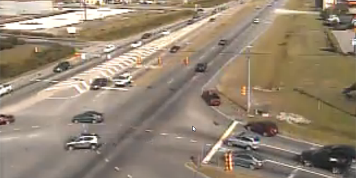 TRAFFIC ALERT: Traffic light malfunctions at Carolina Forest Boulevard