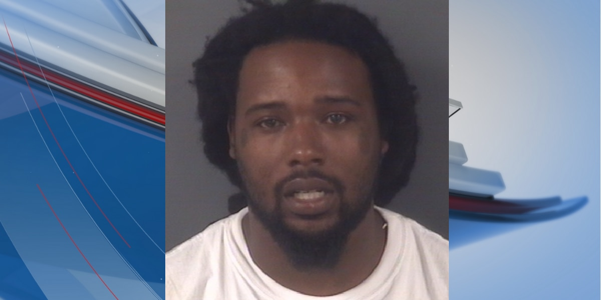 Suspect on the run after leading deputies on chase in Robeson County