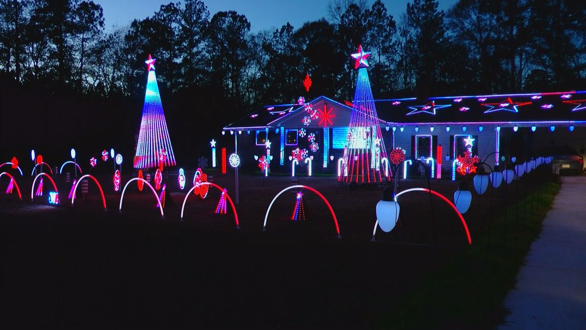 Conway couple lights up the night with elaborate Christmas display