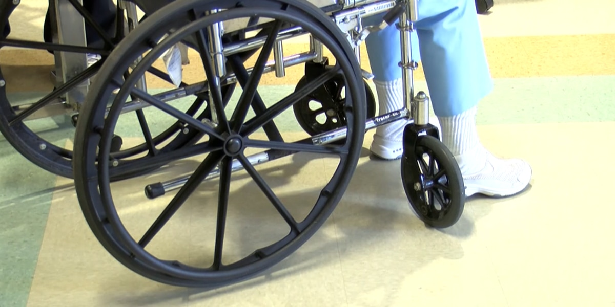 SC nursing homes to allow indoor visits, DHEC releases guidelines