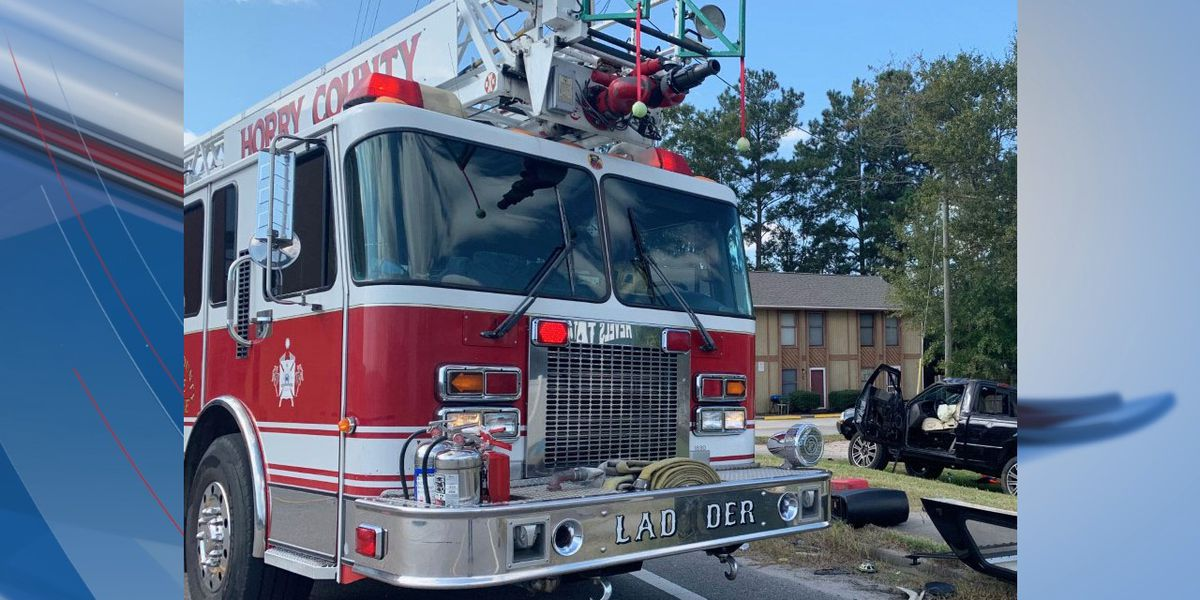 One injured after car crashes into utility pole in Horry County