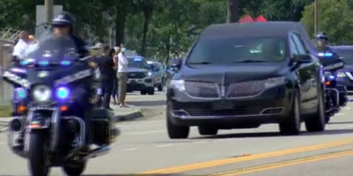 Myrtle Beach community lines procession route to honor fallen police officer