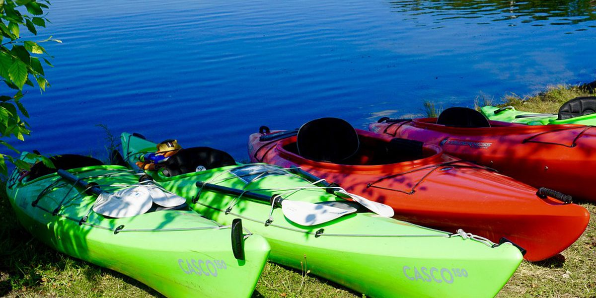 Crews rescue two juveniles after kayak capsizes in Darlington County