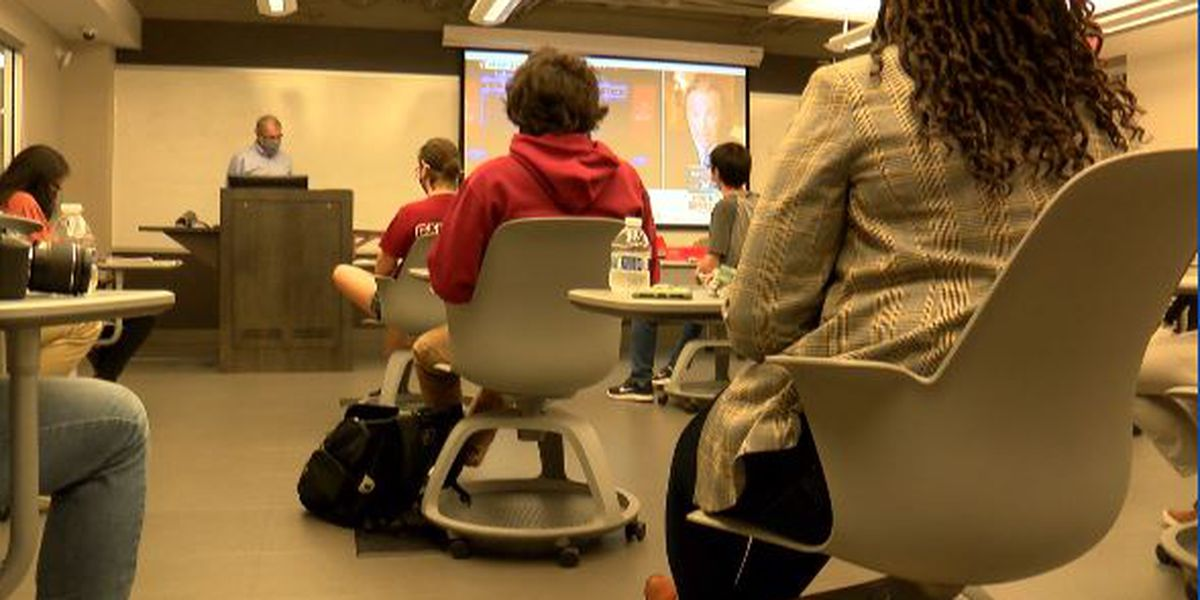 UofSC students study South Carolina's social media reaction to final presidential debate