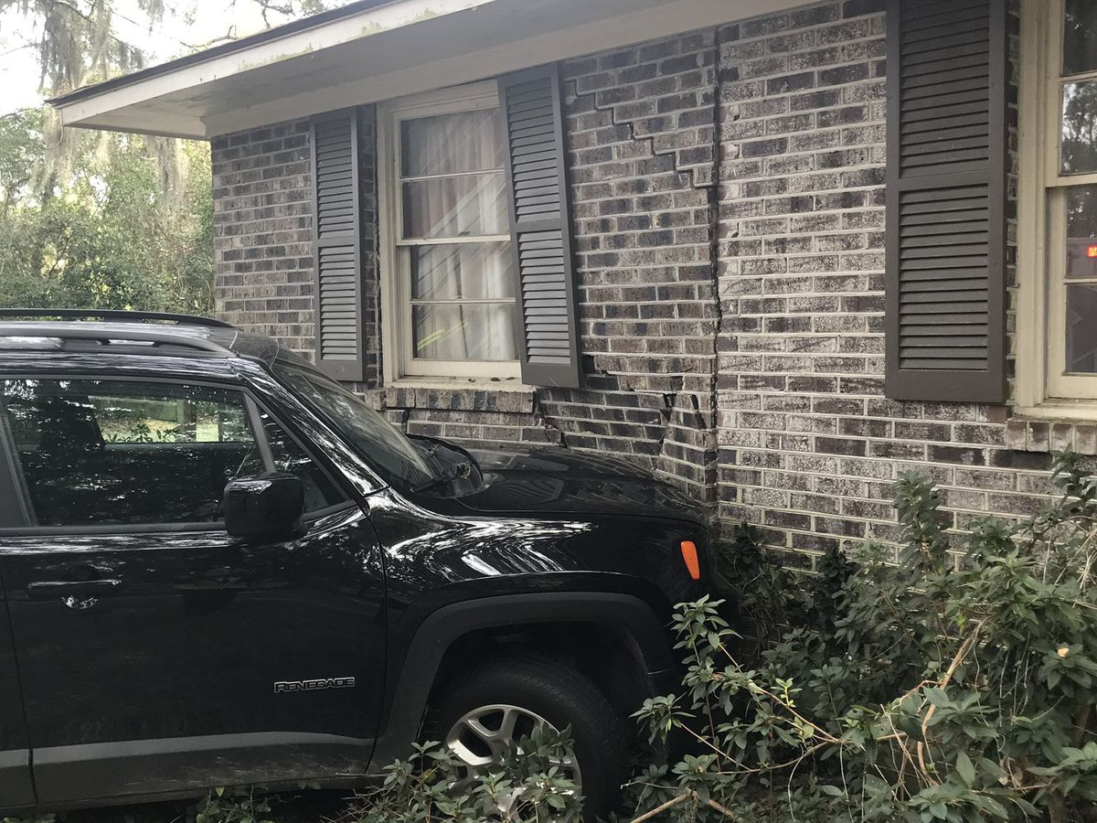 One injured after car crashes into home in Georgetown County