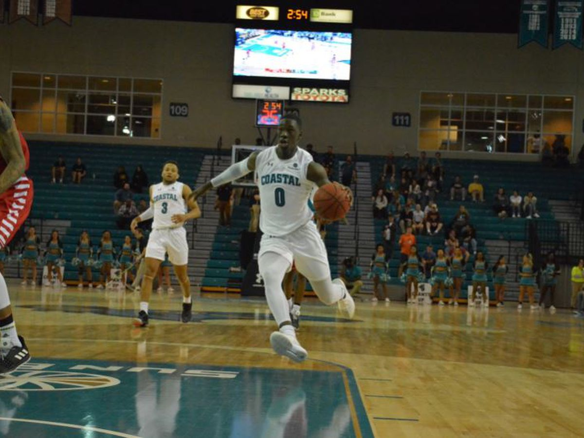 Coastal Carolina Pulls Away from Louisiana