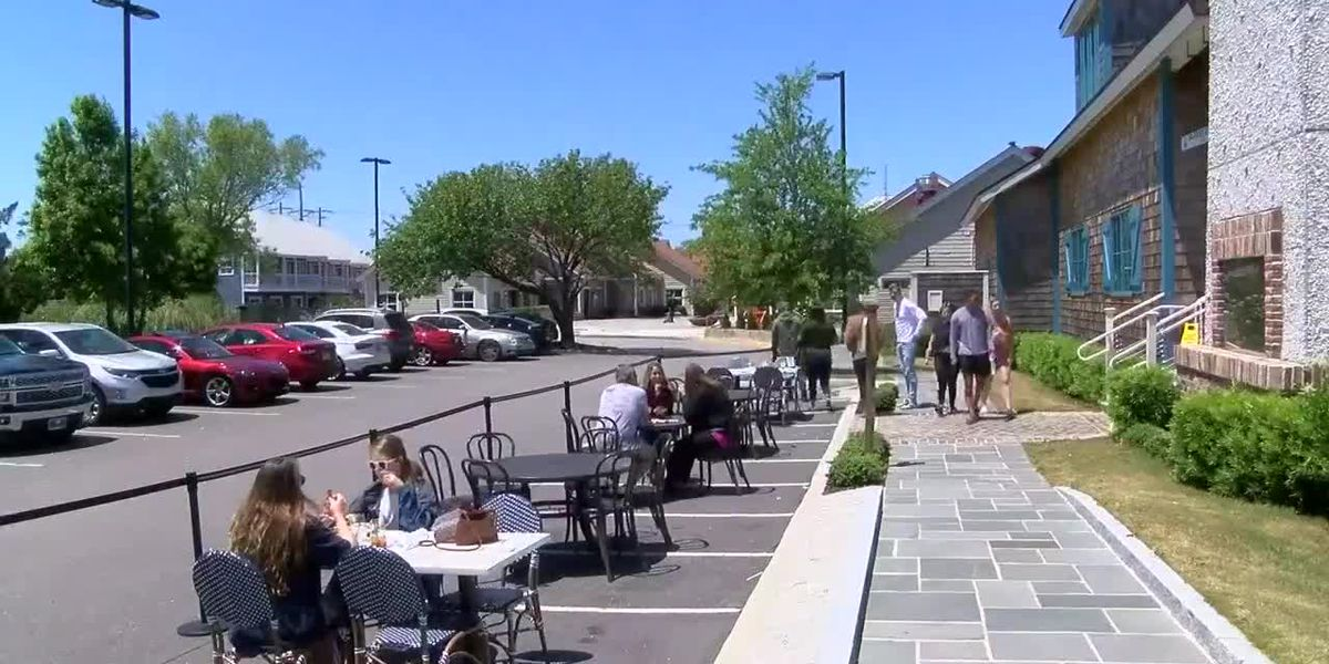 Local restaurants see first weekend with outdoor seating
