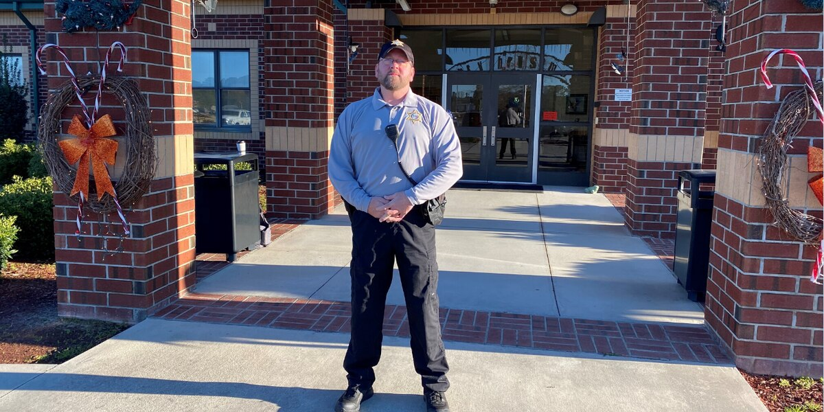 Darlington County Institute of Technology receives its own school resource officer