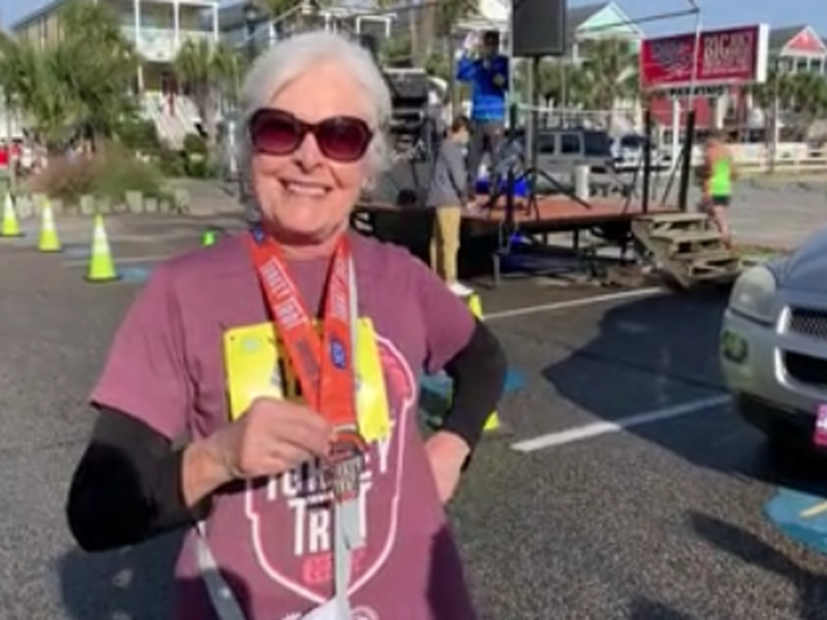 'It's a great day to be alive': Community comes out for 11th annual Surfside Beach Turkey Trot