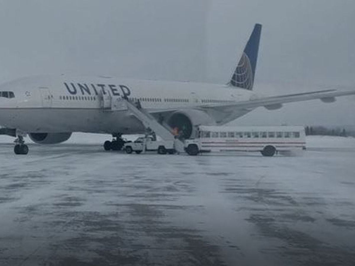 Emergency landing leaves passengers stuck on plane in freezing Canada for 15 hours
