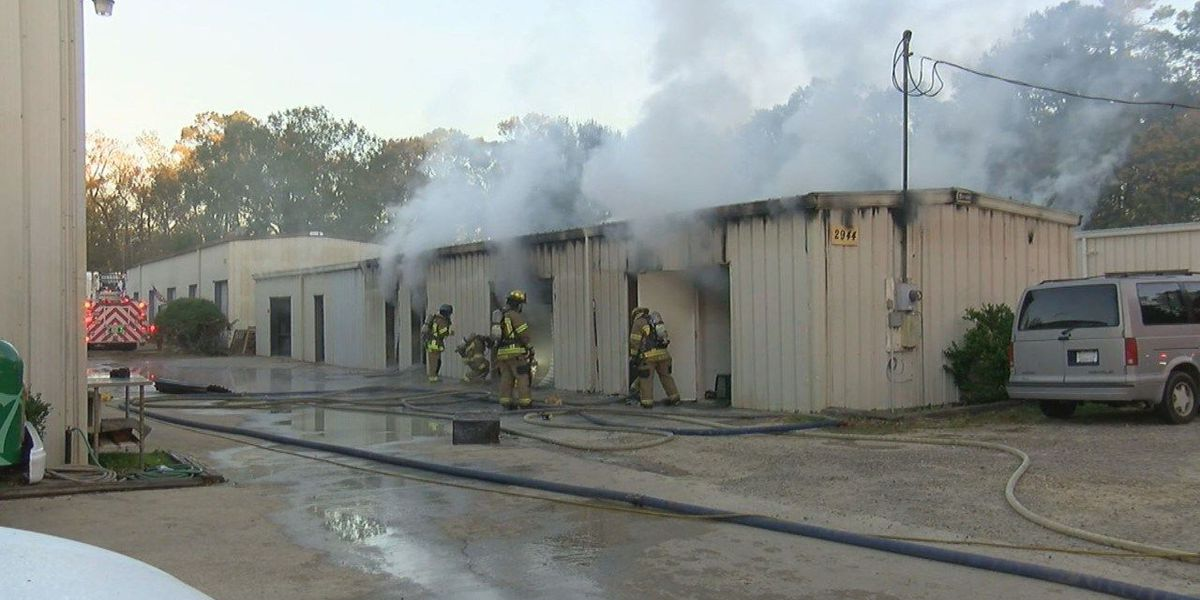 Horry County firefighters working to put out commercial structure fire