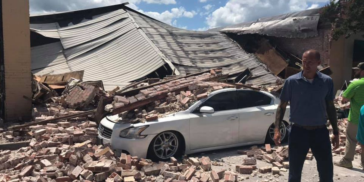 Investigation underway after building collapses in downtown Conway; no injuries reported