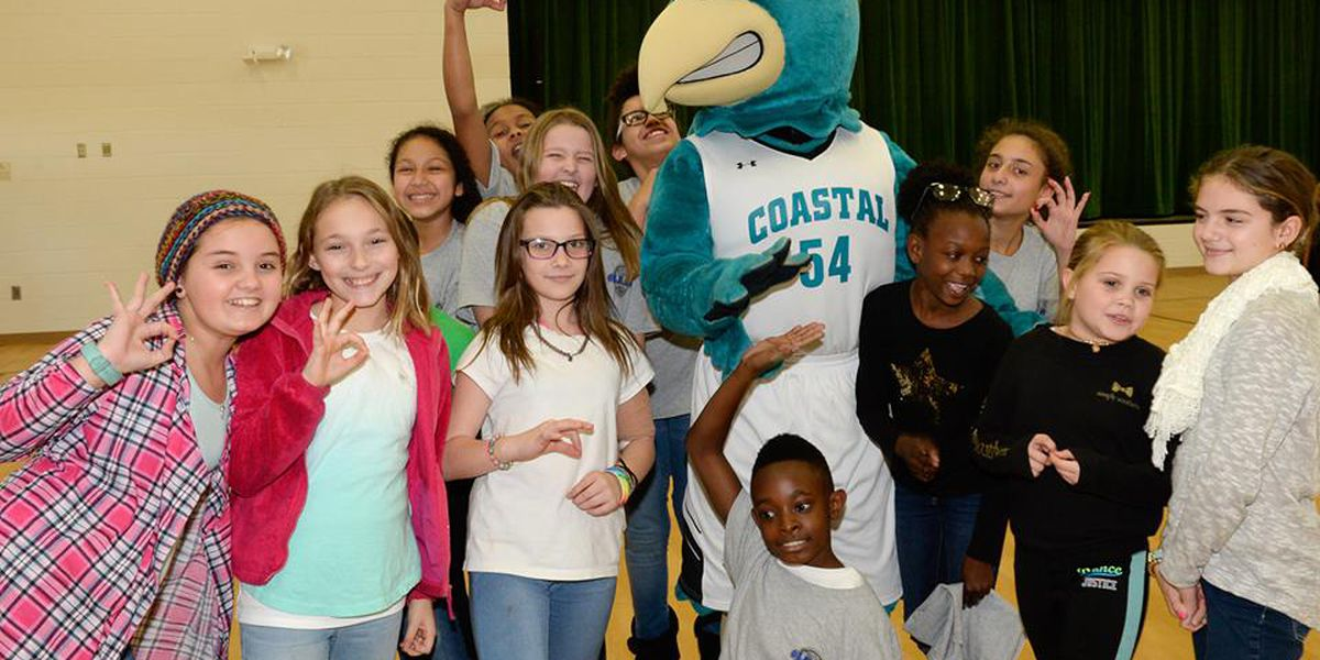CCU athletes give back to community by reading to kindergarteners