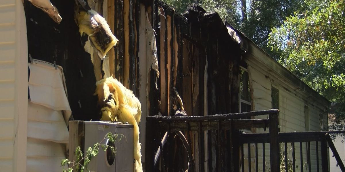Family of four displaced following Sunday morning fire in Garden City