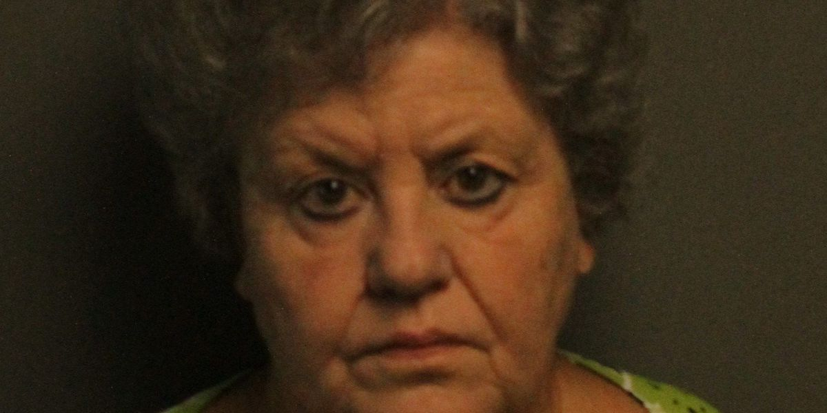 Marion woman charged with stealing from gravesites