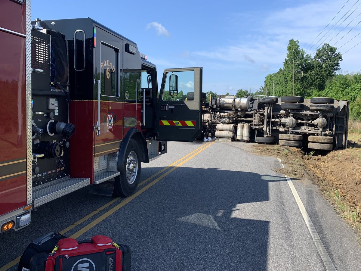 One injured after dump truck rolls over in Galivants Ferry