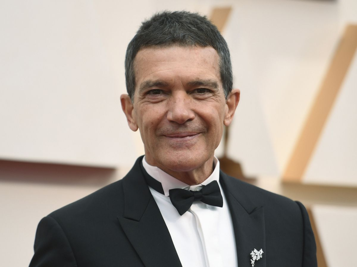 Antonio Banderas says he's tested positive for coronavirus