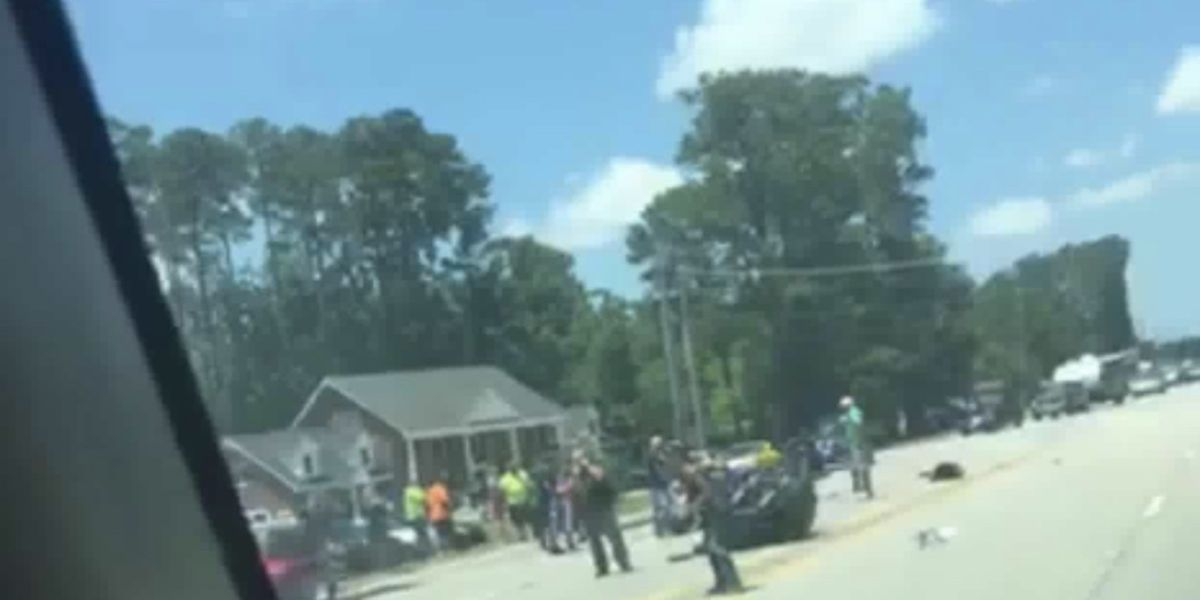 Traffic Alert: Crash with injuries blocks a portion of S.C. 544