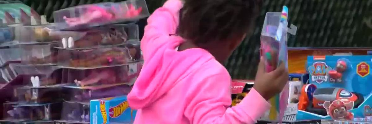 'Sleigh Ride' brings early Christmas gifts to Myrtle Beach children