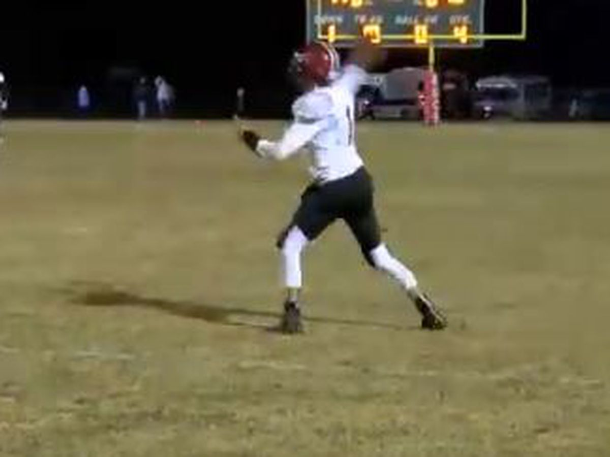 WATCH: Mullins stunned on last-second miracle TD in SCHSL playoffs