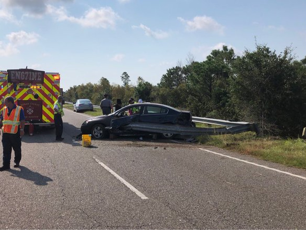 Public asked to avoid part of Highway 22 after crash sends one to hospital with serious injuries