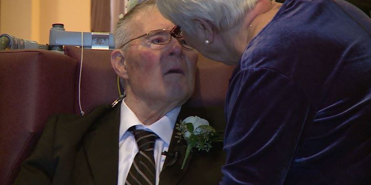 Man with dementia relives favorite day by remarrying wife of 54 years