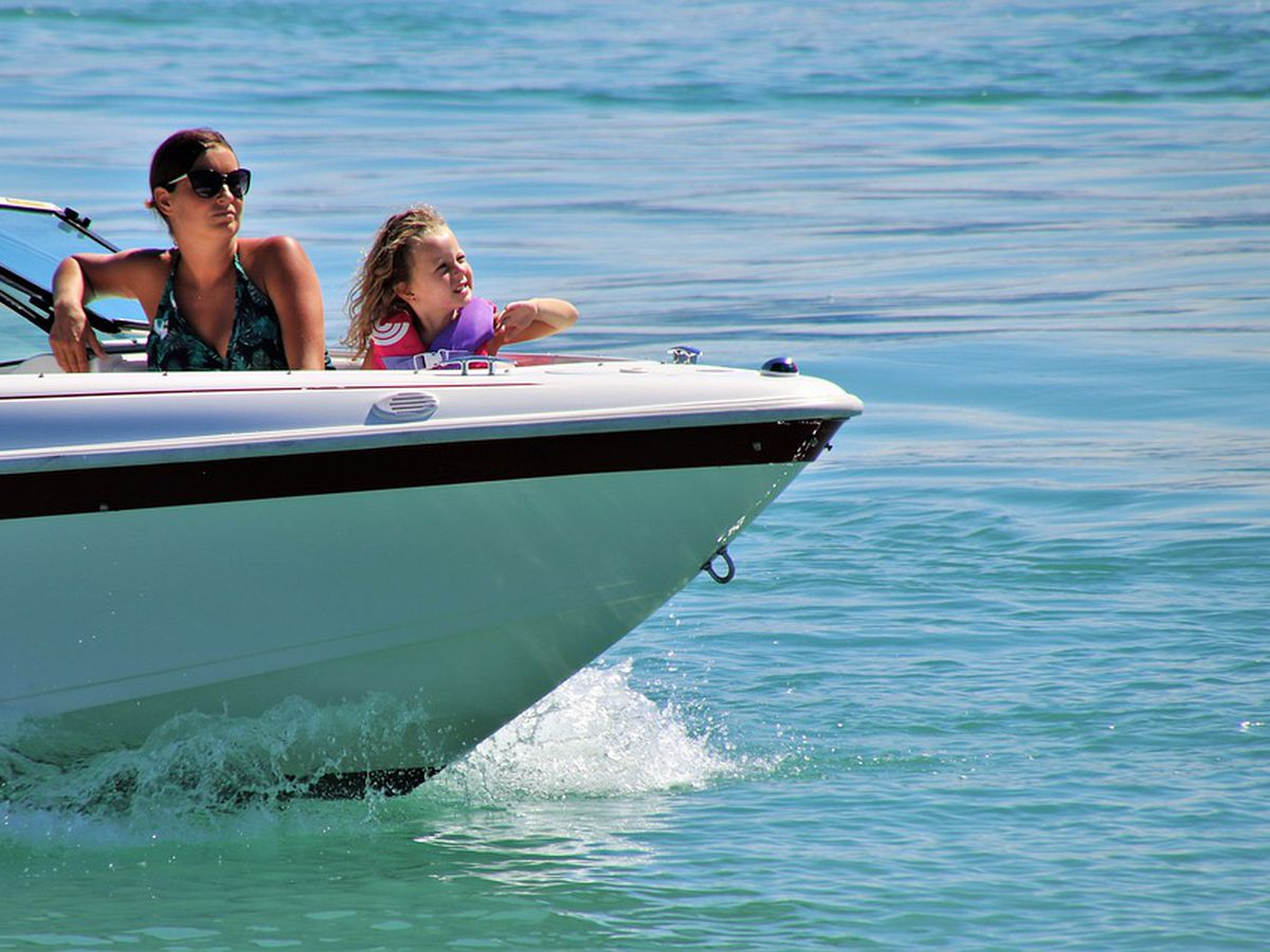 Midway Fire Rescue offers tips to maintain social distancing while boating