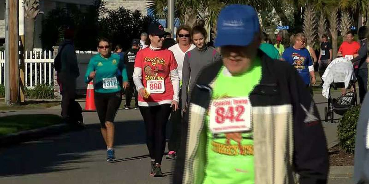 Over 1,500 turn out to run and walk at Surfside Beach Turkey Trot