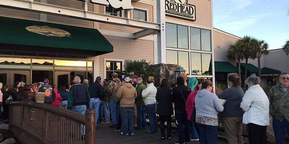 """Thanksgiving Day a.k.a. """"Brown Thursday"""" underway for retailers"""