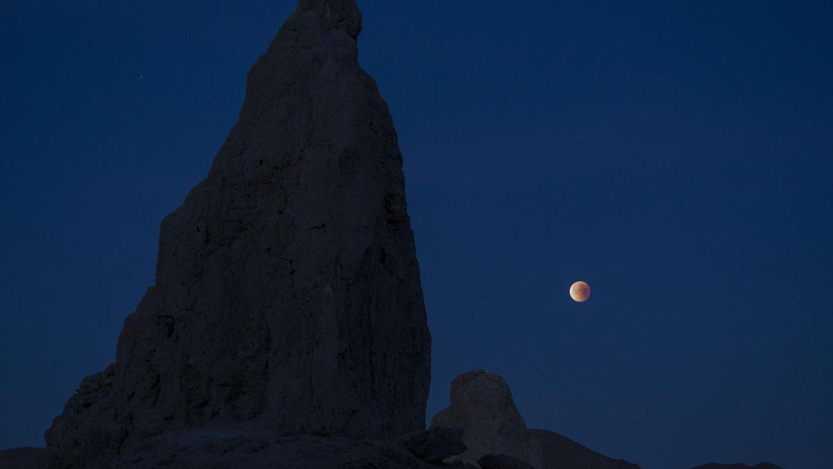 Rare blue moon on Halloween in 2020