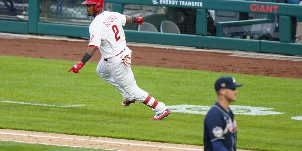 Segura's RBI single gives Phillies 3-2 win over Braves in 10