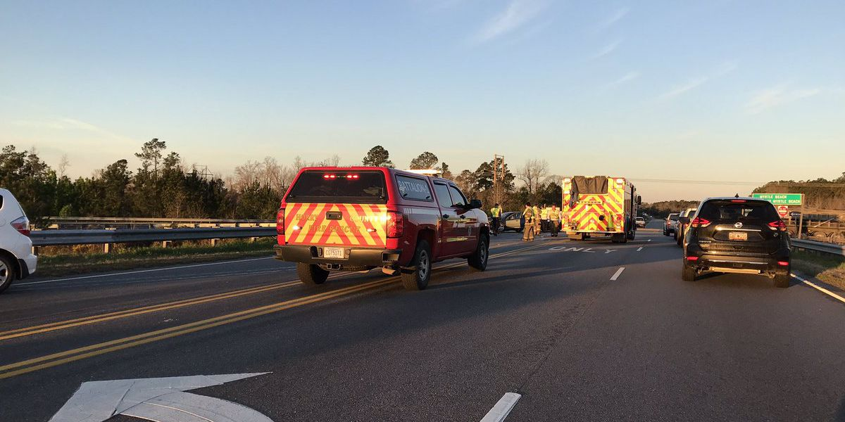 Multi-vehicle crash slows traffic on Highway 905