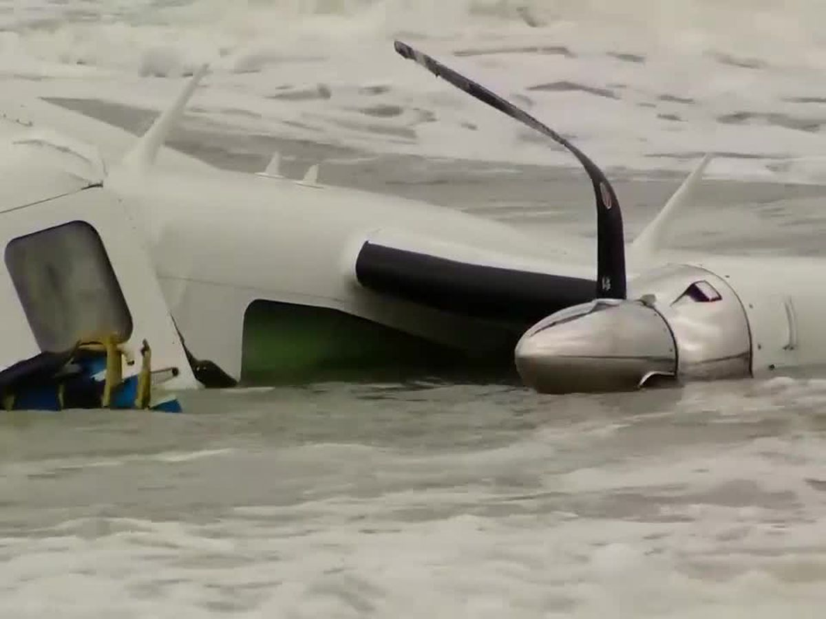 Pilot in critical condition after plane crashes in ocean near Springmaid Pier