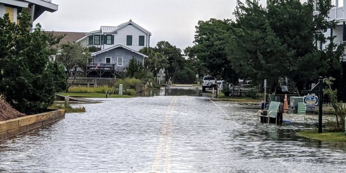 High tide leads to minor flooding in Pawleys Island